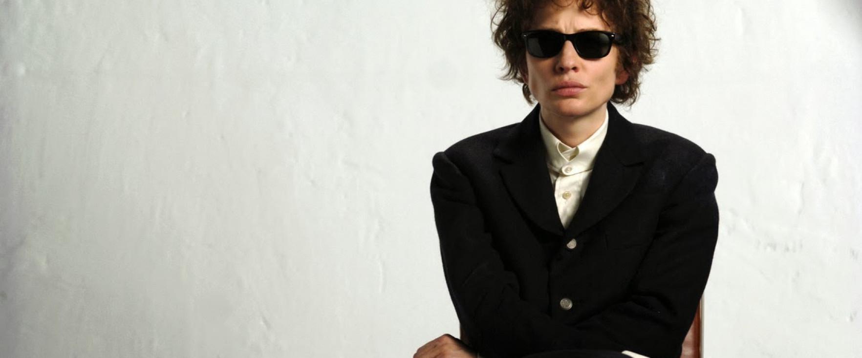 10 Aktor Ini Pernah Memerankan Musisi dalam Film Biopik