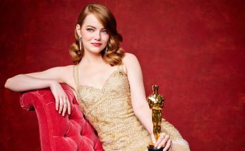 Menebak Isi Hati Emma Stone Sewaktu Academy Awards 2017